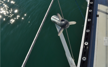 Hydrogenerator propellor, out of the water while docked
